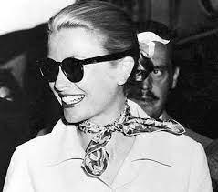 Foulard Gucci Flora - Accornero... - Margi Vintage & Luxury | Facebook